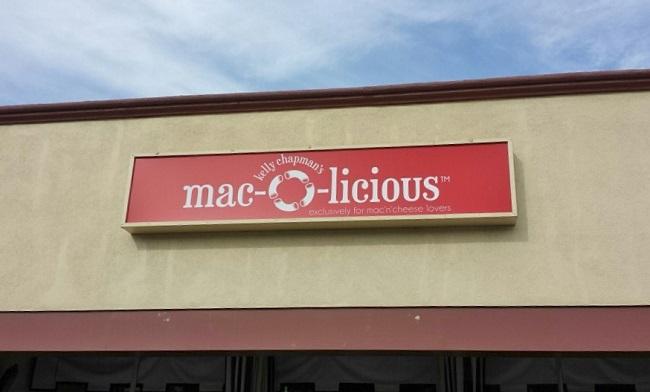Mac-O_Signage