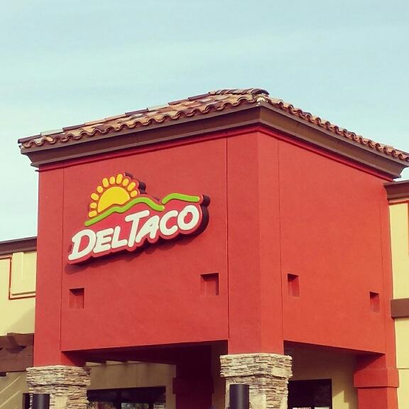 DelTaco_Signage