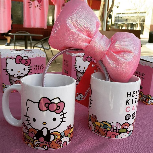 Hello Kitty Cafe Truck Mugs and Headband