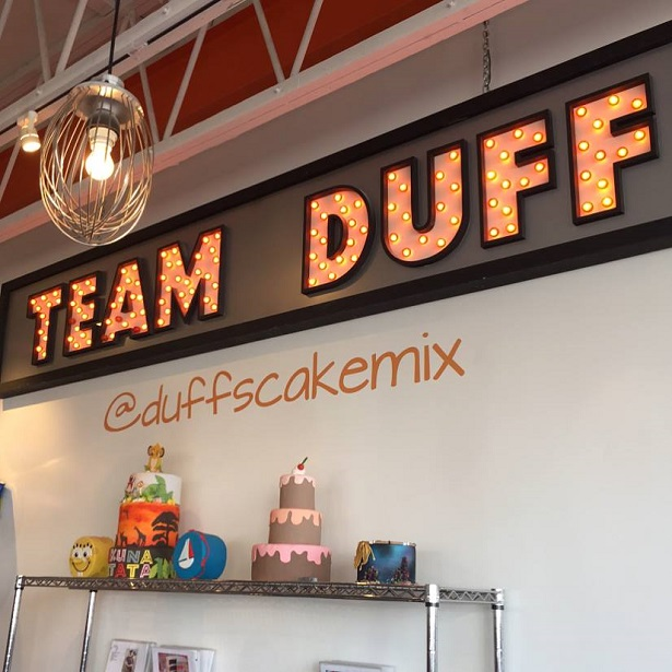 Cake Decorating West Hollywood : Decorating at Duff s Cakemix in LA - Real Mom of SFV