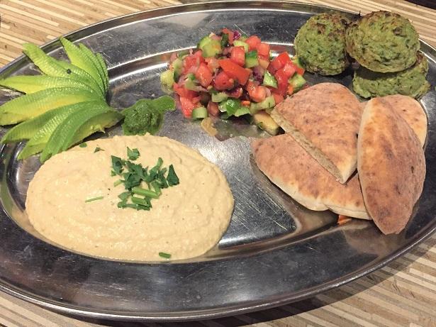 Stonefire Test Kitchen Specials Med Chicken Platter
