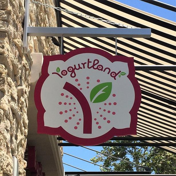 Yogurtland Ice Cream signage