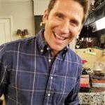 "Meeting the Cast of CBS Sitcom ""9JKL"""