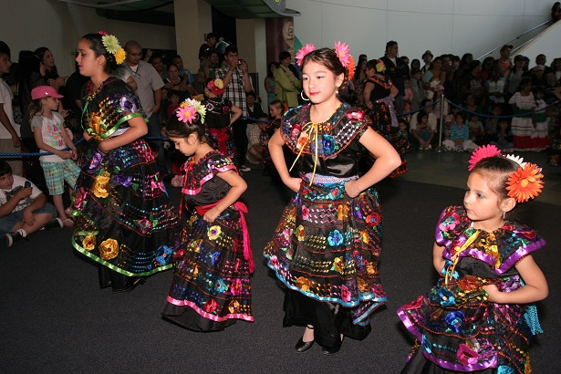 International Children's Festival Aquarium of Pacific_Folkloricodel