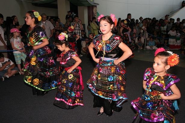 International Children's Festival Aquarium of Pacific_Folkloricodel