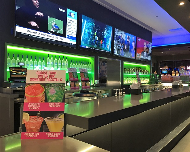 Dave and Buster's Bar