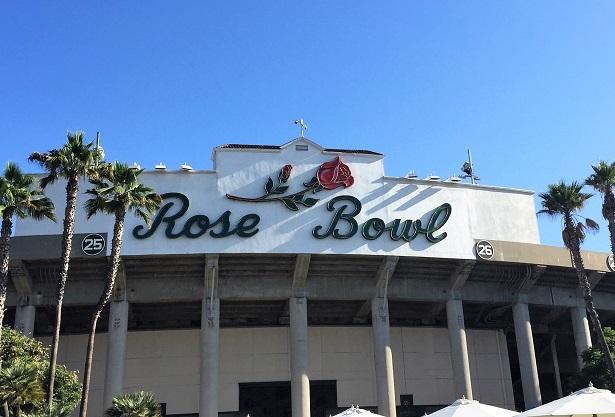 LIVESTRONG PlankStrong_Rose Bowl