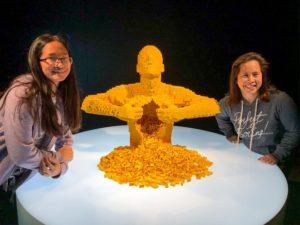 Nathan Sawaya - Yellow Sculpture