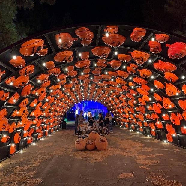 Haunt O' Ween LA - Pumpkin Tunnel